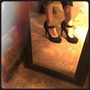 Black snakeskin platform heels